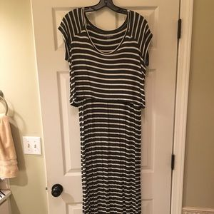 Lift Up Striped Nursing Maxi Dress